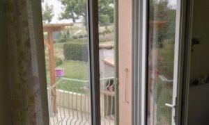 Pose de 2 porte-fenêtres PVC en rénovation partielle